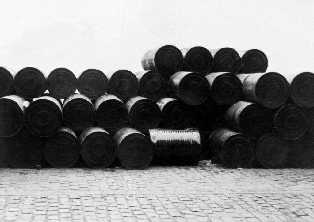 معرفی و آثار کریستو ولادیمیروف به مناسبت درگذشت هنرمند لینک : https://asarartmagazine.ir/?p=15675 👇 سایت : AsarArtMagazine.ir اینستاگرام : instagram.com/AsarArtMagazine تلگرام : t.me/AsarArtMagazine 👆