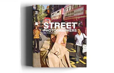کتاب « چرا عکاسی خیابانی؟؟ » منتشر شد لینک : https://asarartmagazine.ir/?p=18535 👇 سایت : AsarArtMagazine.ir اینستاگرام : instagram.com/AsarArtMagazine تلگرام :  t.me/AsarArtMagazine 👆