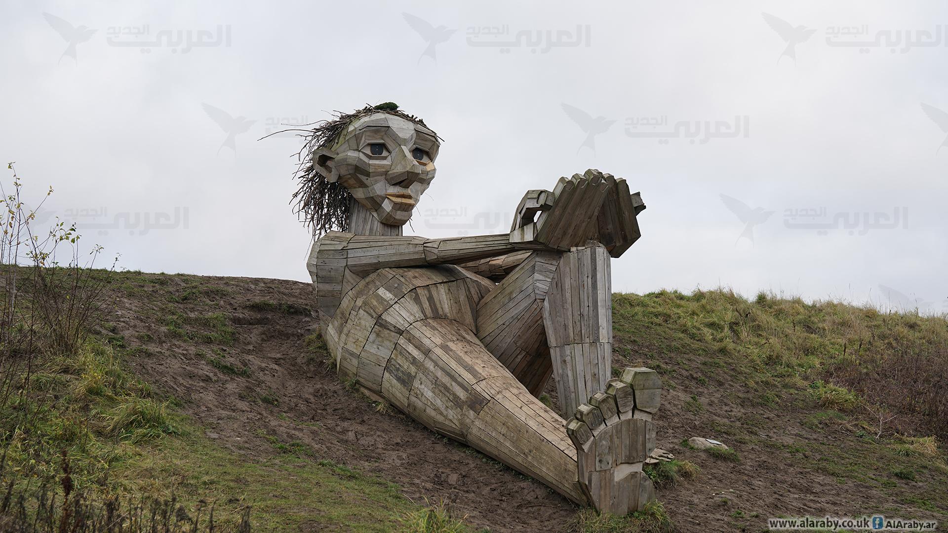 معرفی و آثار توماس دامبو با مجسمههای غولپیکر بازیافتی لینک : https://asarartmagazine.ir/?p=20538 👇 سایت : AsarArtMagazine.ir اینستاگرام : instagram.com/AsarArtMagazine تلگرام : t.me/AsarArtMagazine 👆